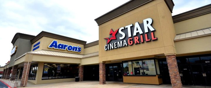 Retail Leasing in Houston at Pine Hollow